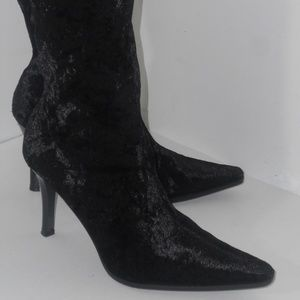 PREDICTIONS BLACK VELVET ABOVE THE ANKLE BOOTS 8.5